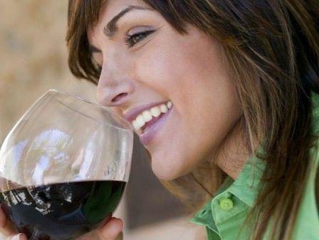Beber vinho previne infecções bucais · Revista ADEGA