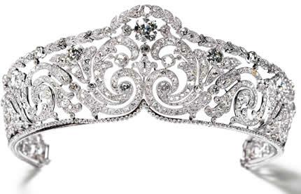 fab13bf5c50 A França é o principal berço de diversas marcas de luxo consagradas  mundialmente. O estilo de vida francês