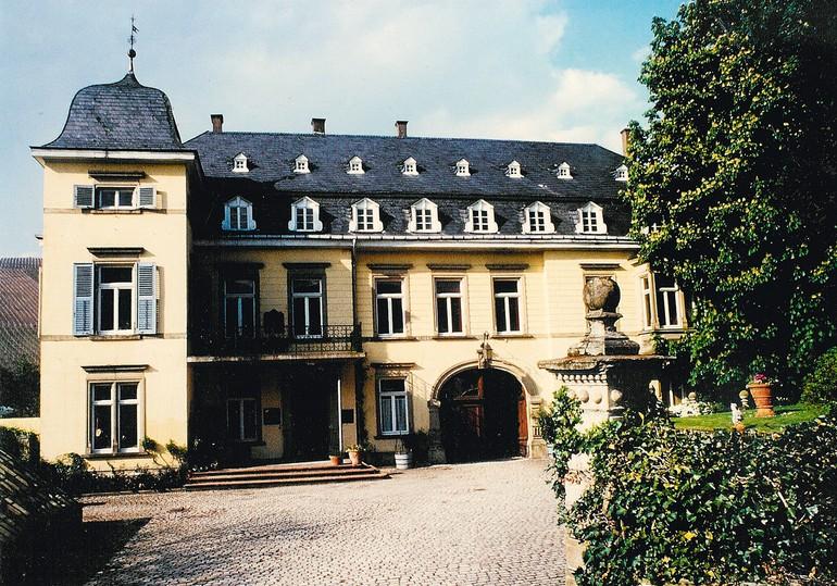A história de Egon Müller remonta a 1797