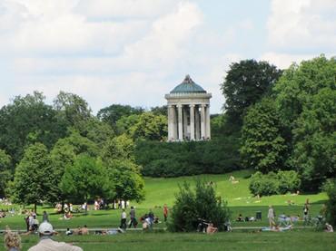 O charmoso Englischer Garten está situado no centro de Munique