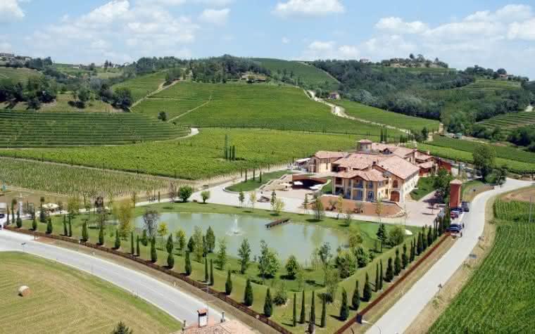 Icônica vinícola Antinori compra a joia dos brancos italianos