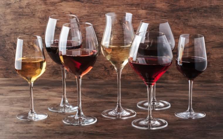 Qual é a taça que devo escolher? Há um modelo para cada tipo de vinho
