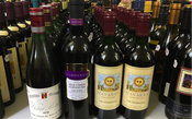 Piloto coleciona 2 mil garrafas de vinho